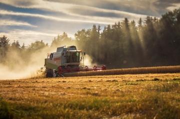 Сельхозпроизводители терпят убытки из-за роста цен на топливо