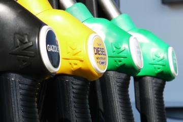 Названы причины роста стоимости бензина