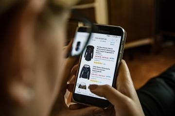 Покупки в зарубежных магазинах станут дороже