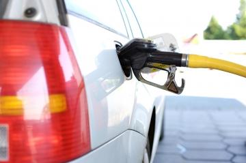 Центробанк назвал причины роста стоимости бензина