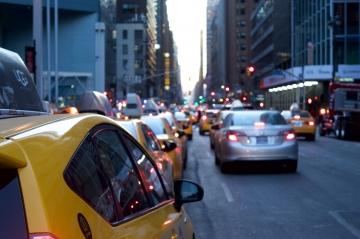 Таксистам-нелегалам планируют предложить патент