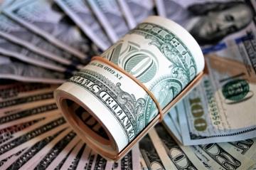Курс рубля должен прийти к равновесному уровню